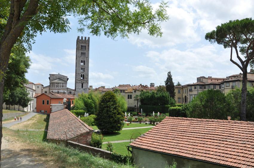 Apartments Lucca